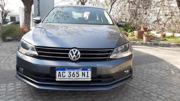 VW VENTO COMFORTLINE 1.4 TSI MANUAL